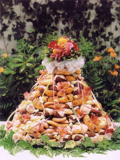 italian wedding cake cookies how to make an italian wedding cookie cake cake 16510