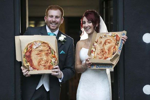 Couple serve 'selfie' pizzas at wedding