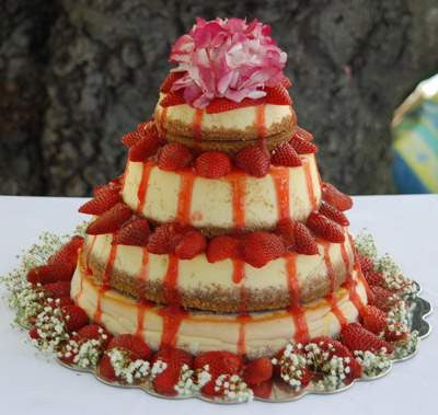 cheesecake wedding cake recipe strawberry cheesecake wedding cakes cake weddings 12564