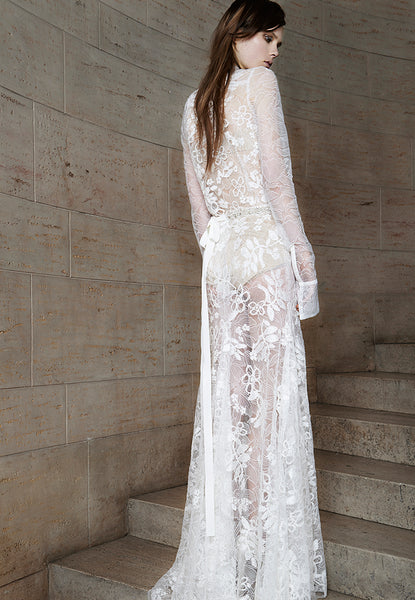 Vera Wang's 2015 Lace Wedding Dress