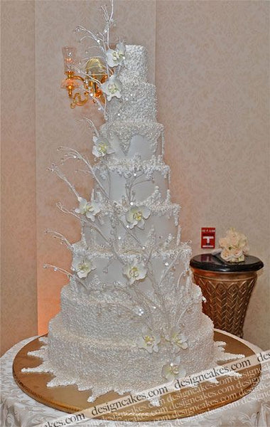 Silver and shimmer Winter Wedding Cake Ideas