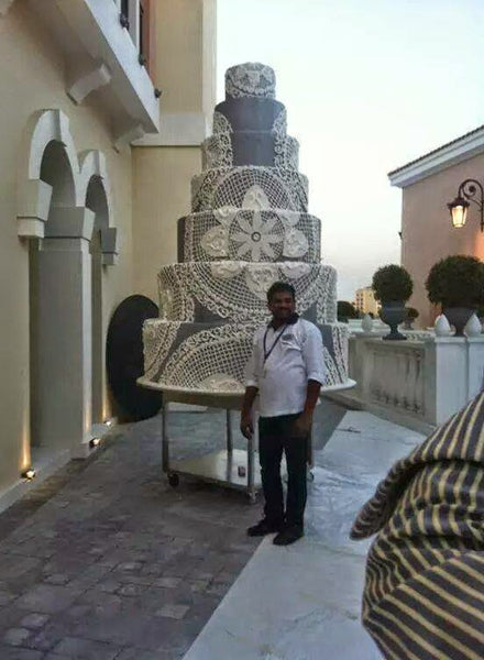 the biggest wedding cake in world guinness book of world records largest wedding cake 20842