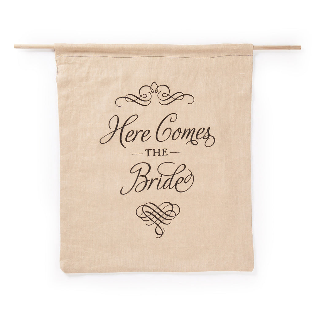 Linen Elegant Here Comes the Bride Sign