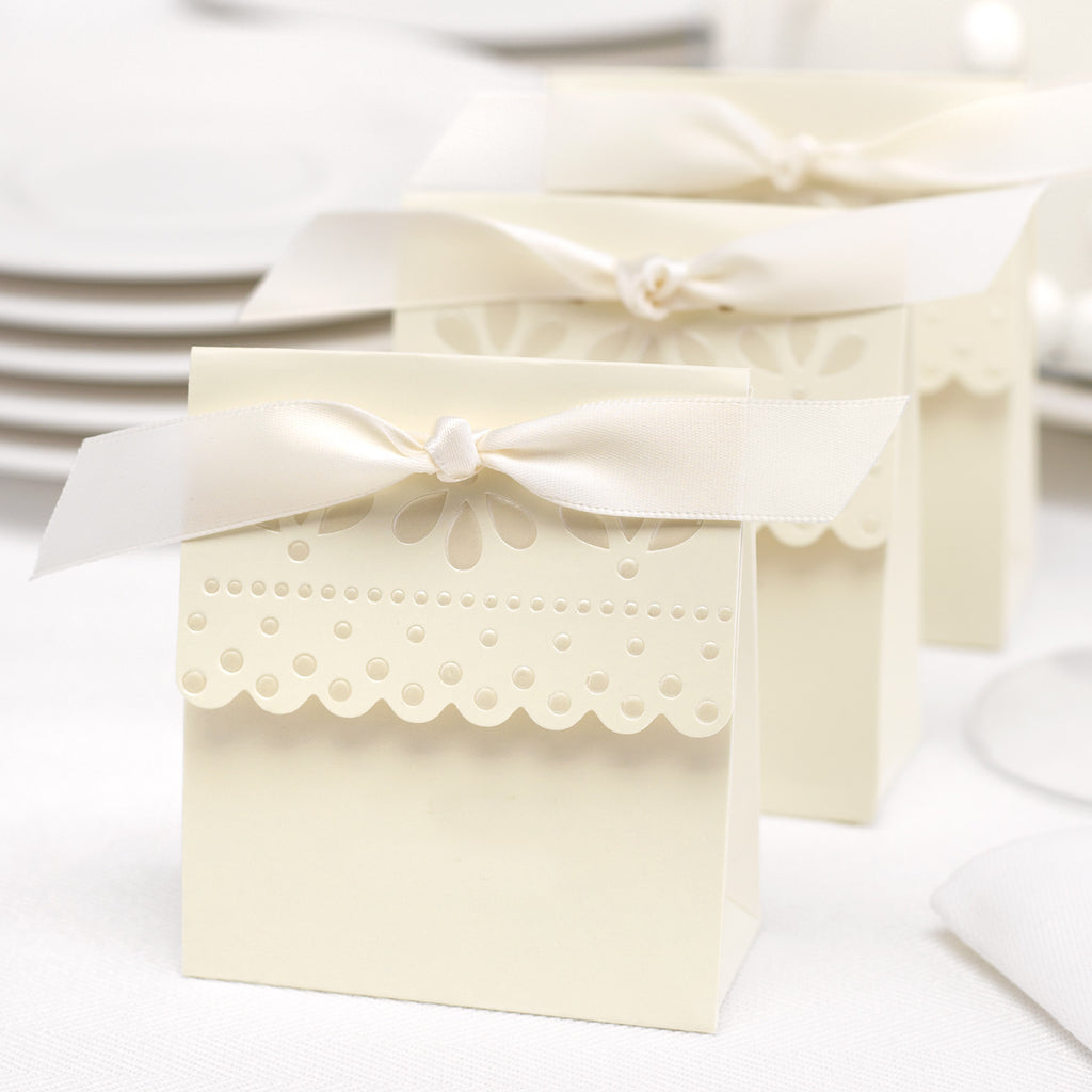 Ivory Scalloped Wedding Favor Boxes (Pack of 25)