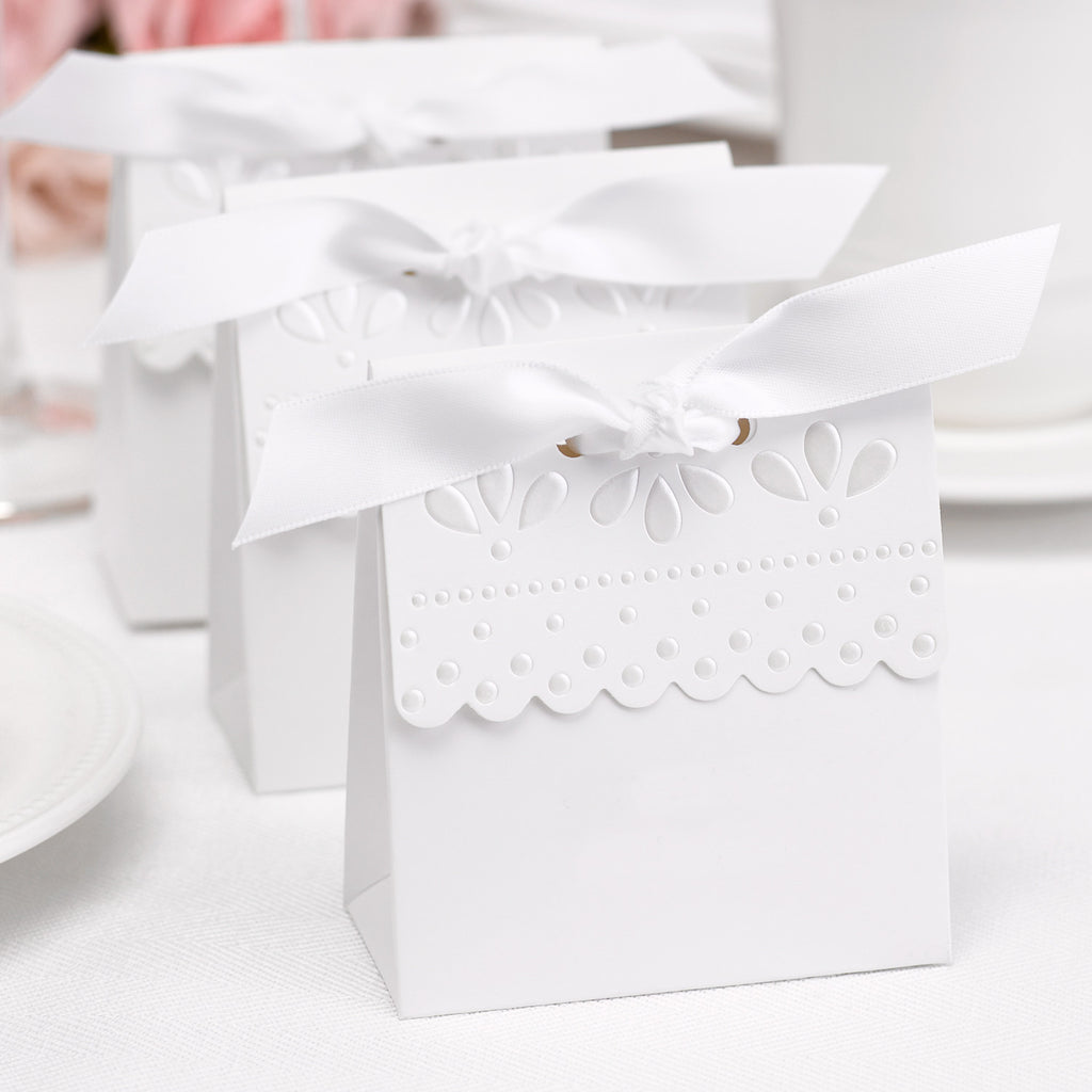 White Scalloped Favor Boxes (Pack of 25)