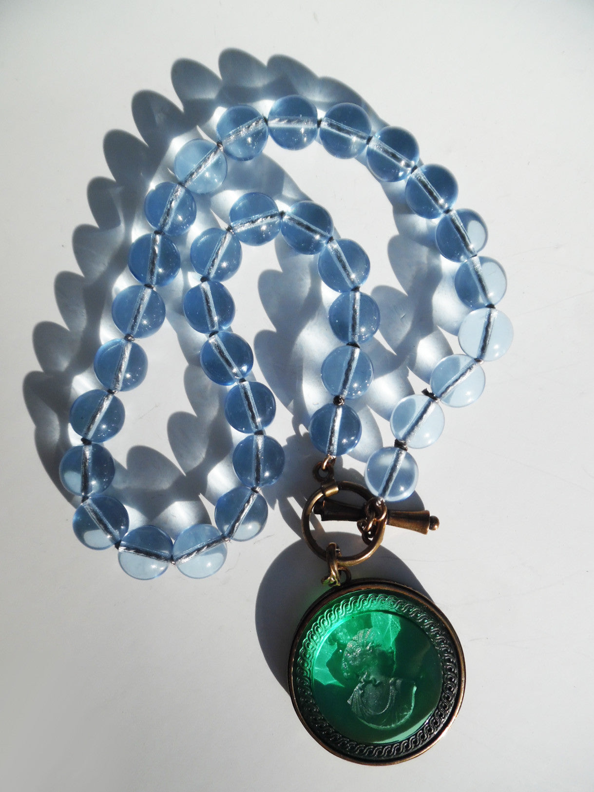 Necklace Intaglio Choker Periwnkle And Bright Green