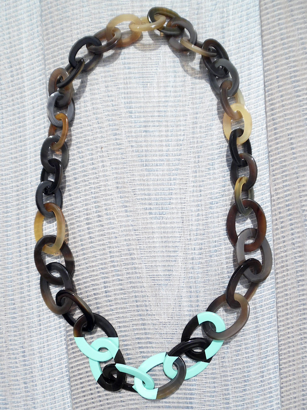 Horn Necklace Graduated Ovals Turquoise Lacquer