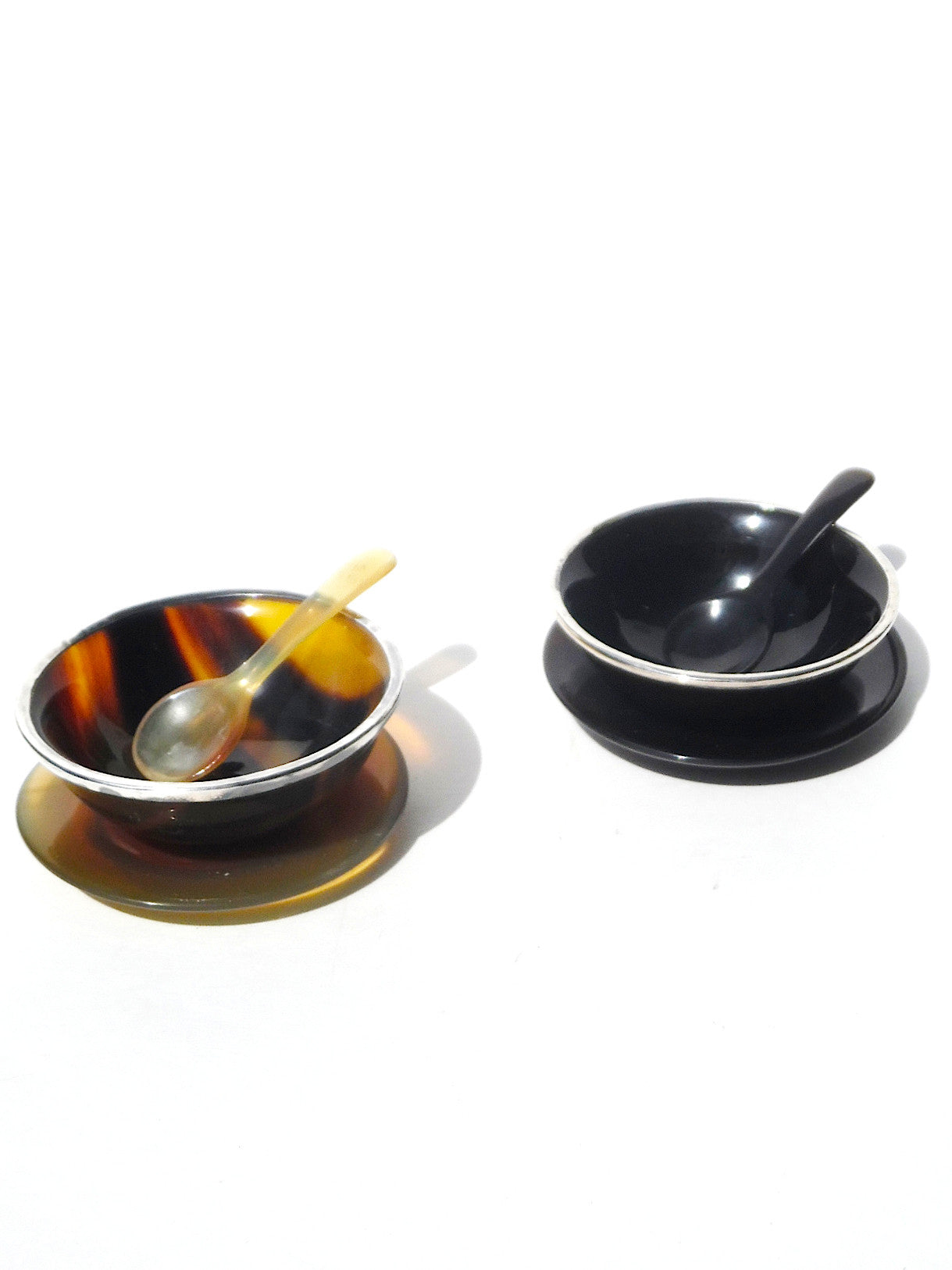 SALT AND PEPPER SET HORN AND STERLING SILVER