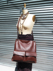 Gapock X Crossbody Bag Pebble Grain Leather Chocolate