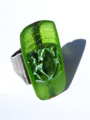 Ring Hand Cast French Glass Frog