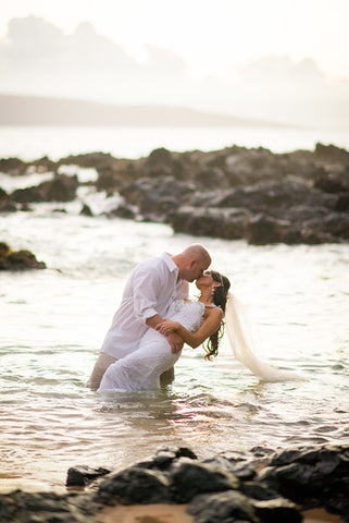 Trash The Dress On Maui, 1 Hour, 200 images
