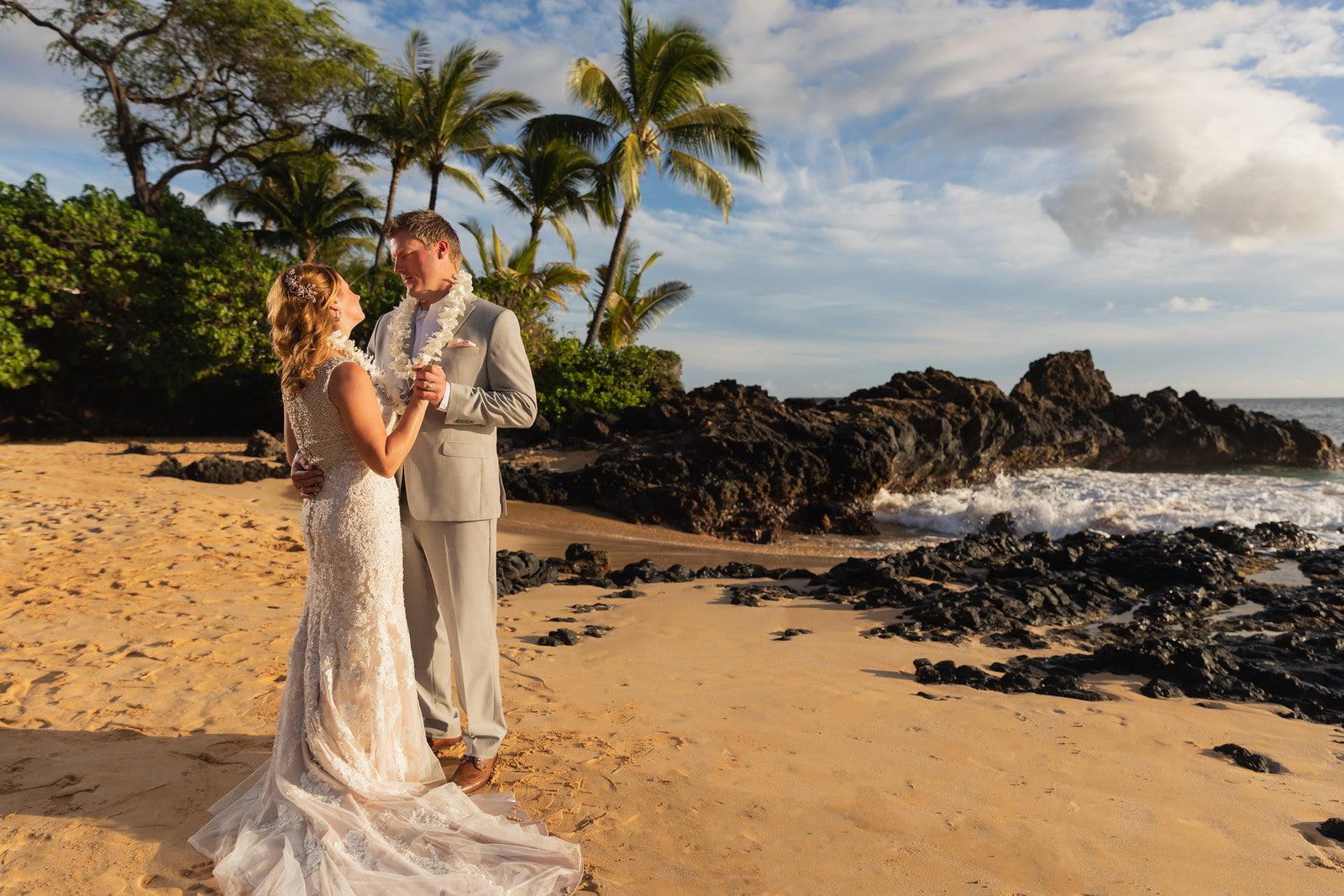 [Maui Elopement & Maui Wedding Photographer Online]-Maui Wedding Photography & Planning Studio, A Paradise Dream Wedding