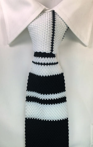 Black and White Stripe Pattern Knit