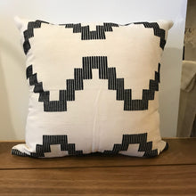 "Load image into Gallery viewer, 18"" Modern Zig Zag Pillow"