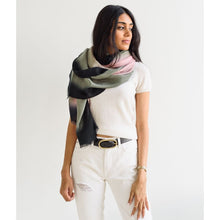 Load image into Gallery viewer, Umbra Kiwi Scarf