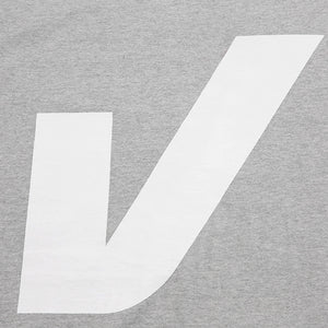 V BIG LOGO T-SHIRT (GREY)
