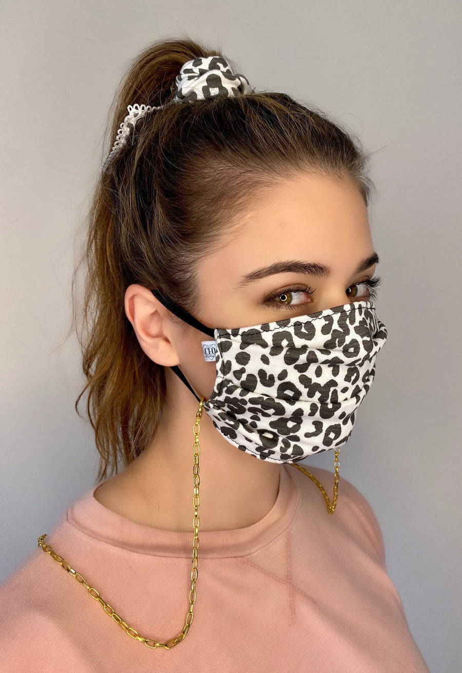 Superbly soft, micro-modal face masks are like pajamas for your face. All are made from micro-modal which is incredibly comfortable, breathable and machine washable. Solid Colored and Striped and Tie Dye Face Masks ( Striped )