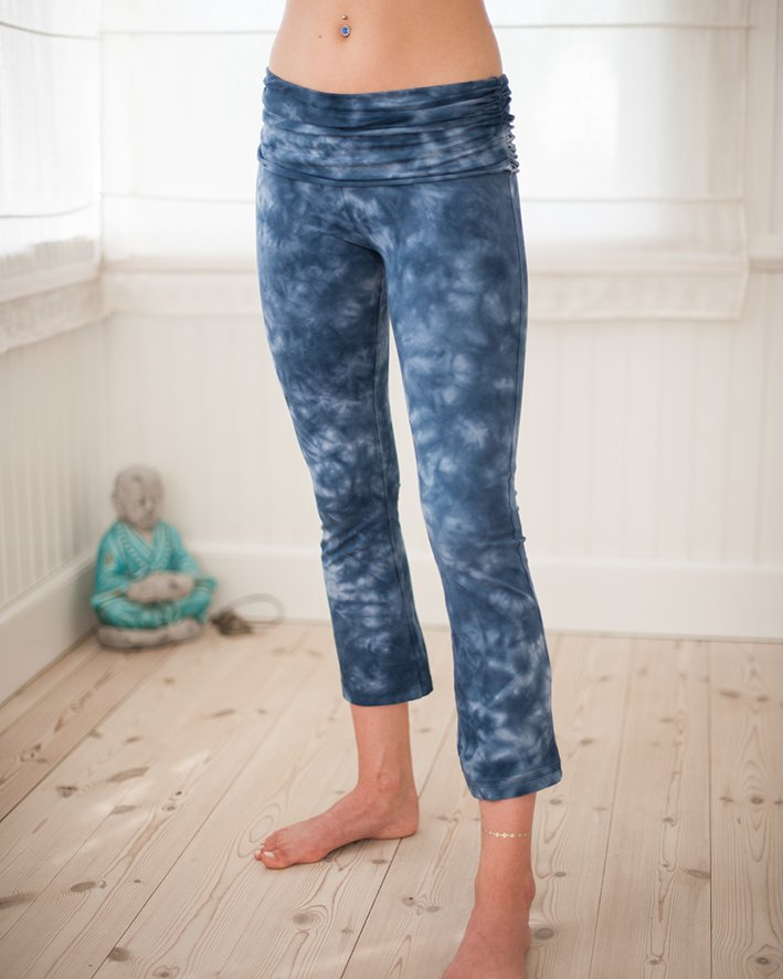 Half moon pants light blue (Generous size)
