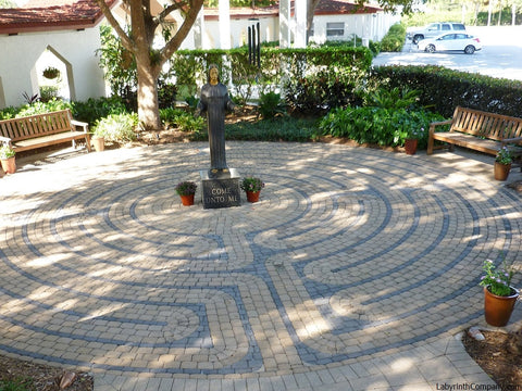 Vision Quest™ Labyrinth Concrete Paver Brick Kit