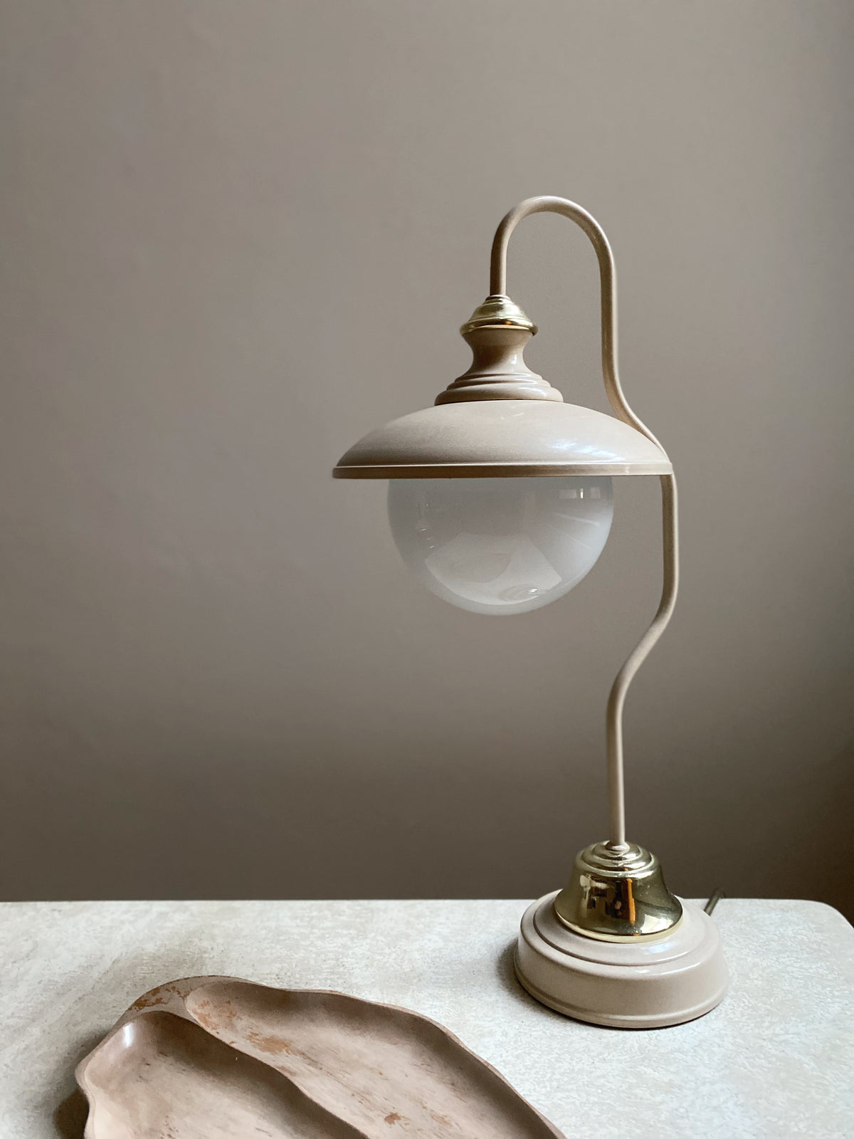 Curvy 70s Brass and Cream Table Lamp