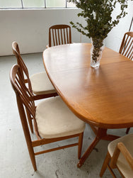 Mid Century Dining Table with Six Benny Linden Dining Chairs