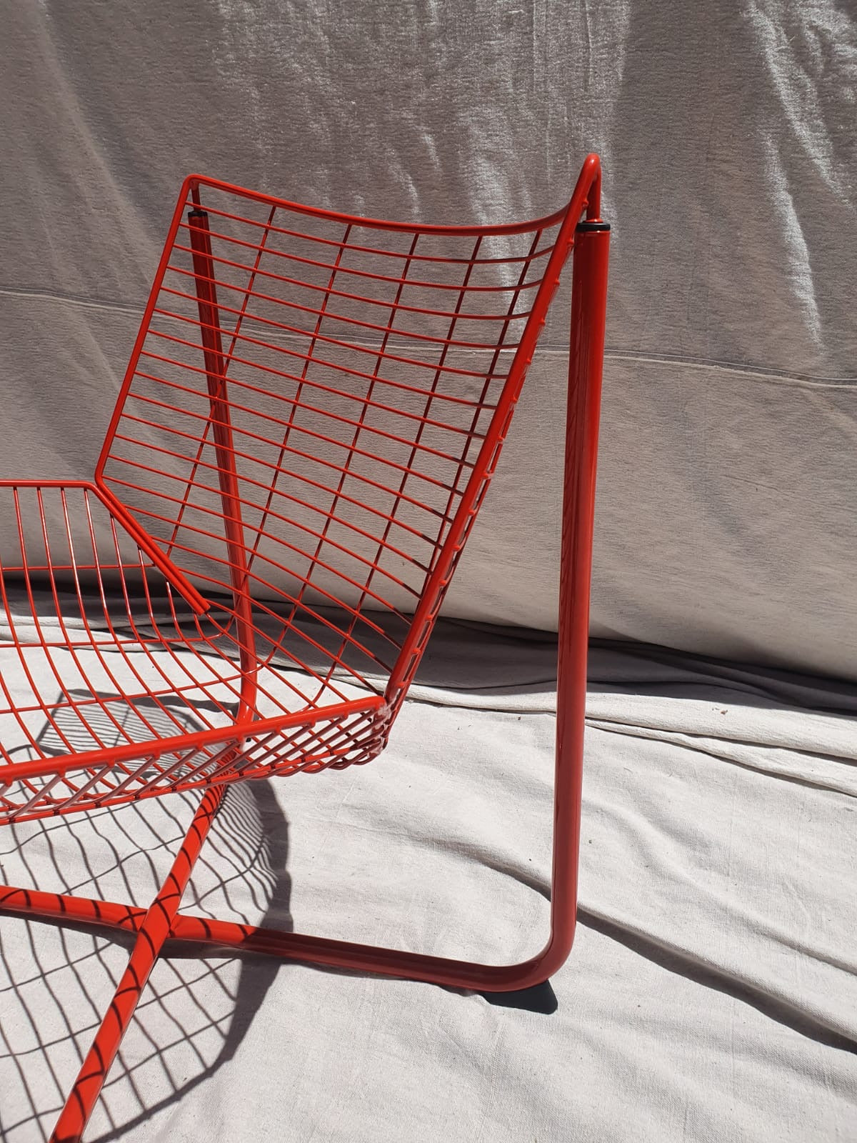 Red Jarpen Wire Lounge Chairs by Neils Gammelgaard