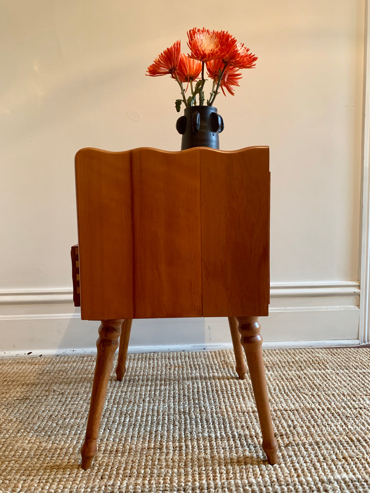 Wavy Side Table
