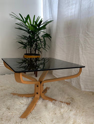 Falcon Table by Sigurd Ressell