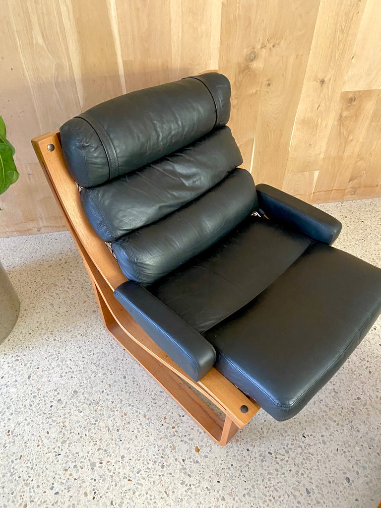 Black Leather Tessa T4 Armchair