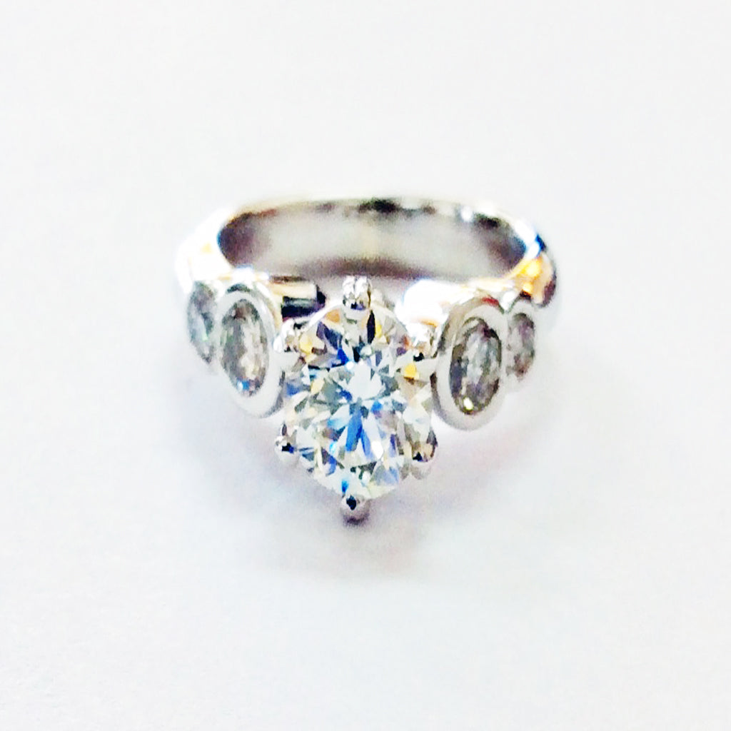 ROUND DIAMOND ENGAGEMENT RING OVER 1.0 CTW