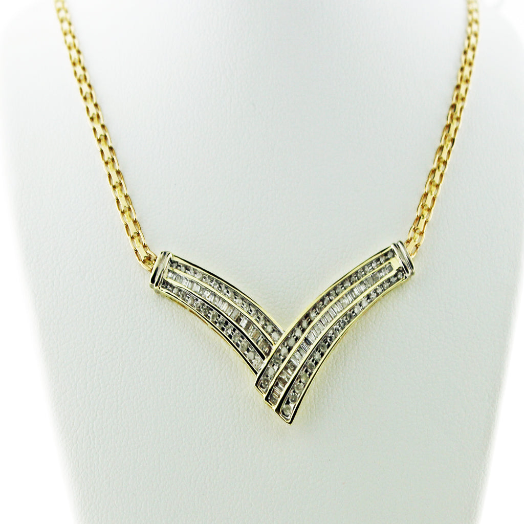 DIAMOND V-PENDANT NECKLACE