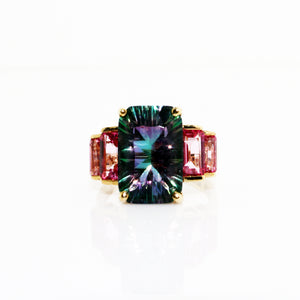 MAGNIFICENT ALEXANDRITE RING