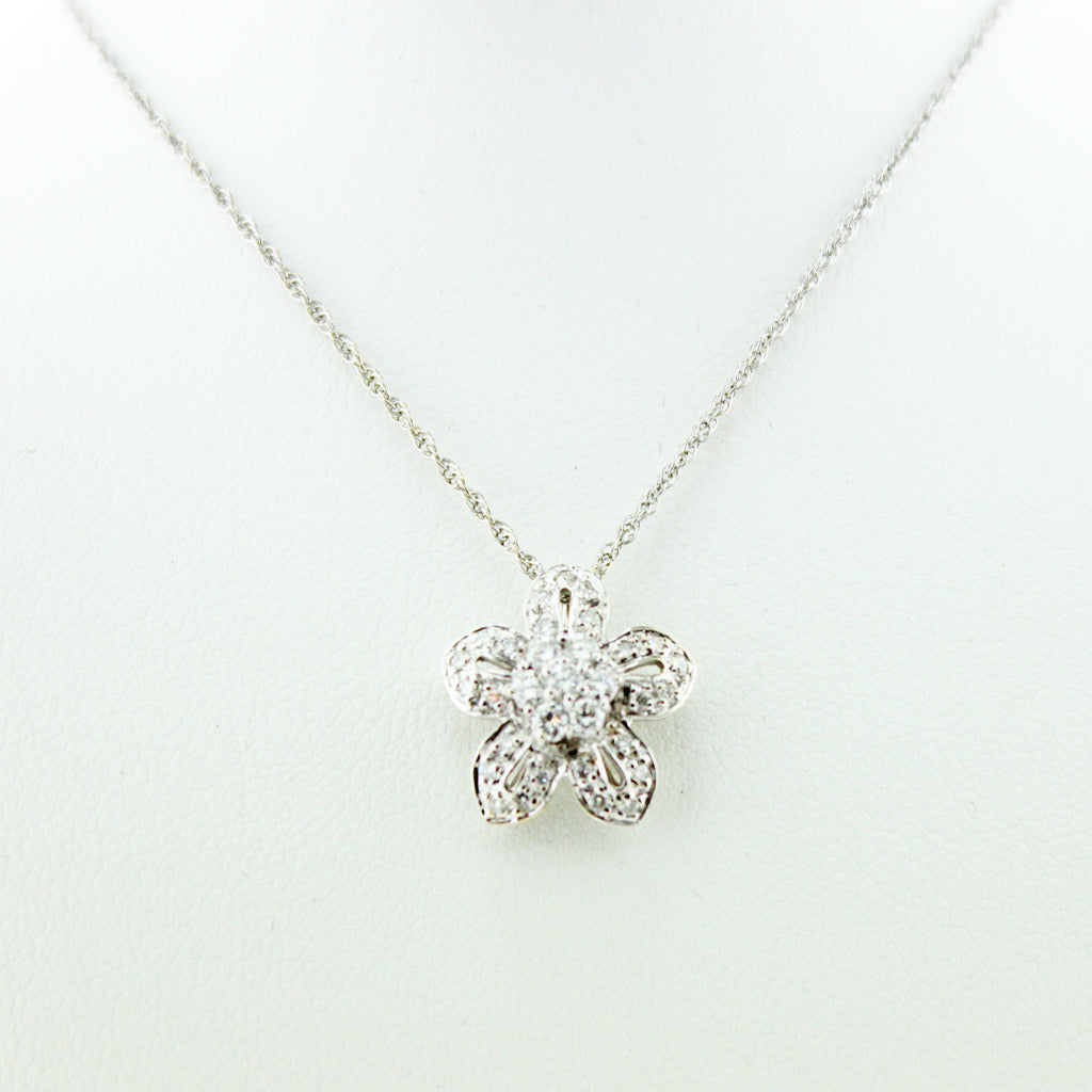 DIAMOND FLOWER 14K WG PENDANT WITH CHAIN