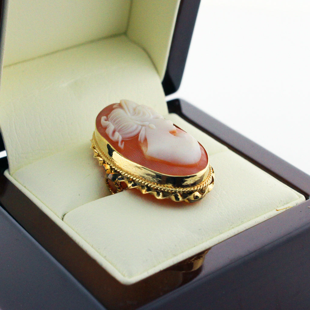 MAGESTIC CAMEO RING