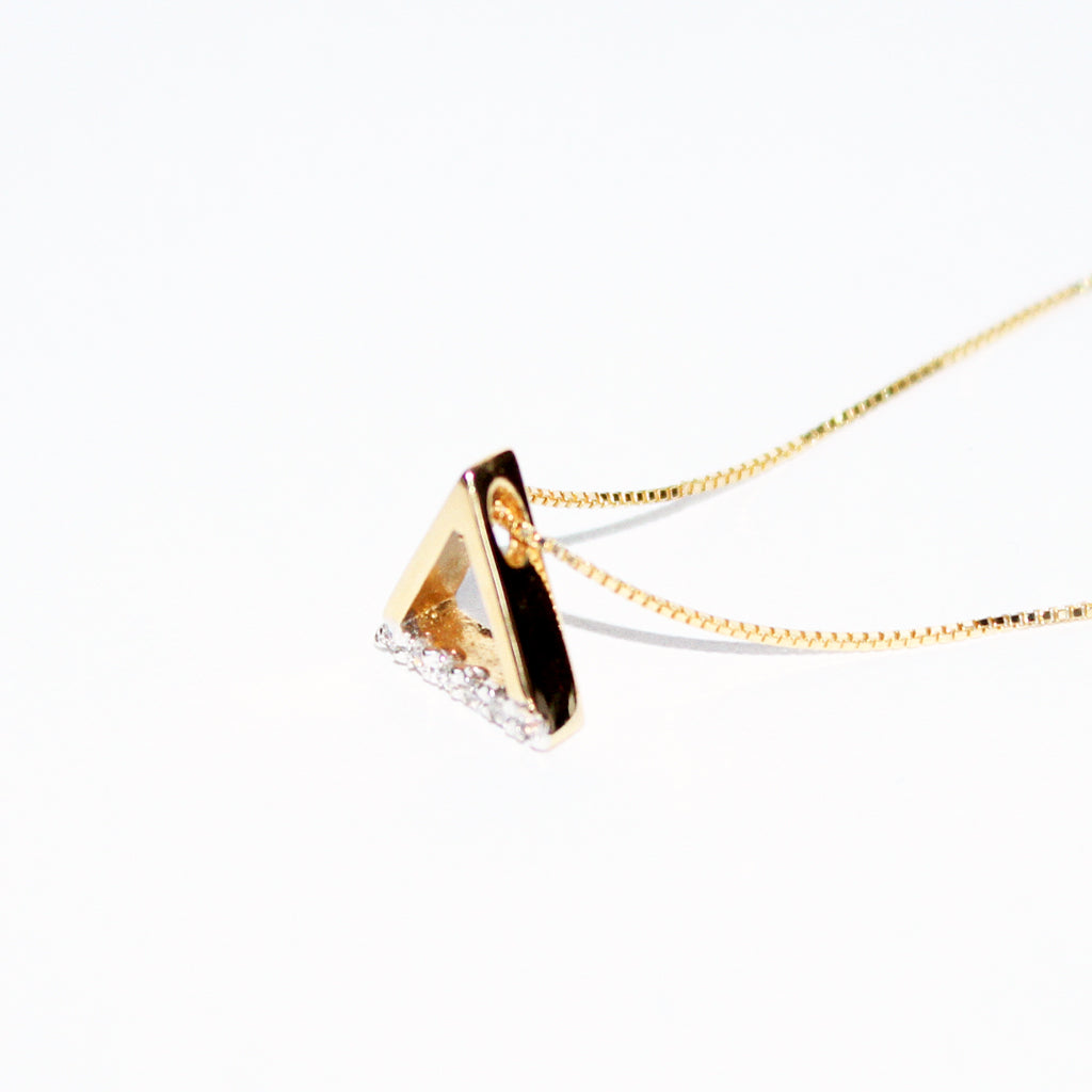 18K YG TRIANGLE PENDANT CHAIN