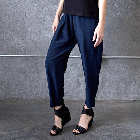 Raquel Allegra Silk Trousers Winter Getaway Tamarind Fashion