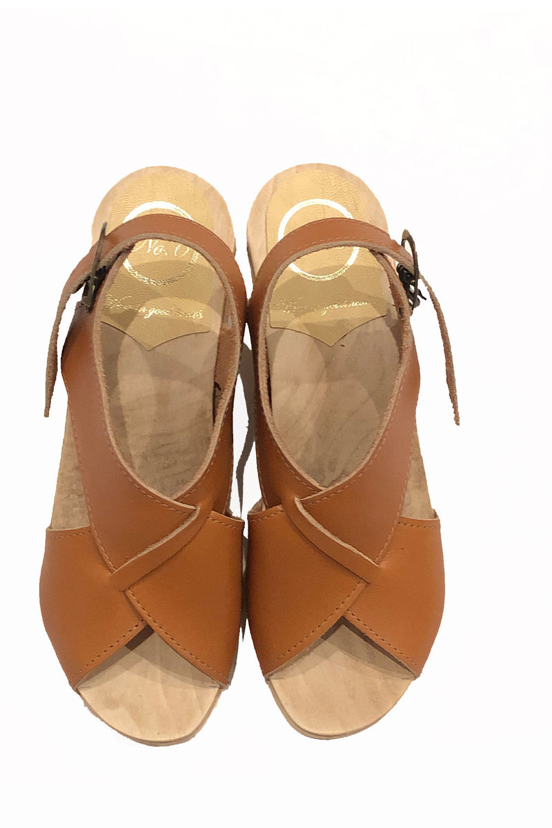 NO.6 Crossover Clog on High Heel in Caramel