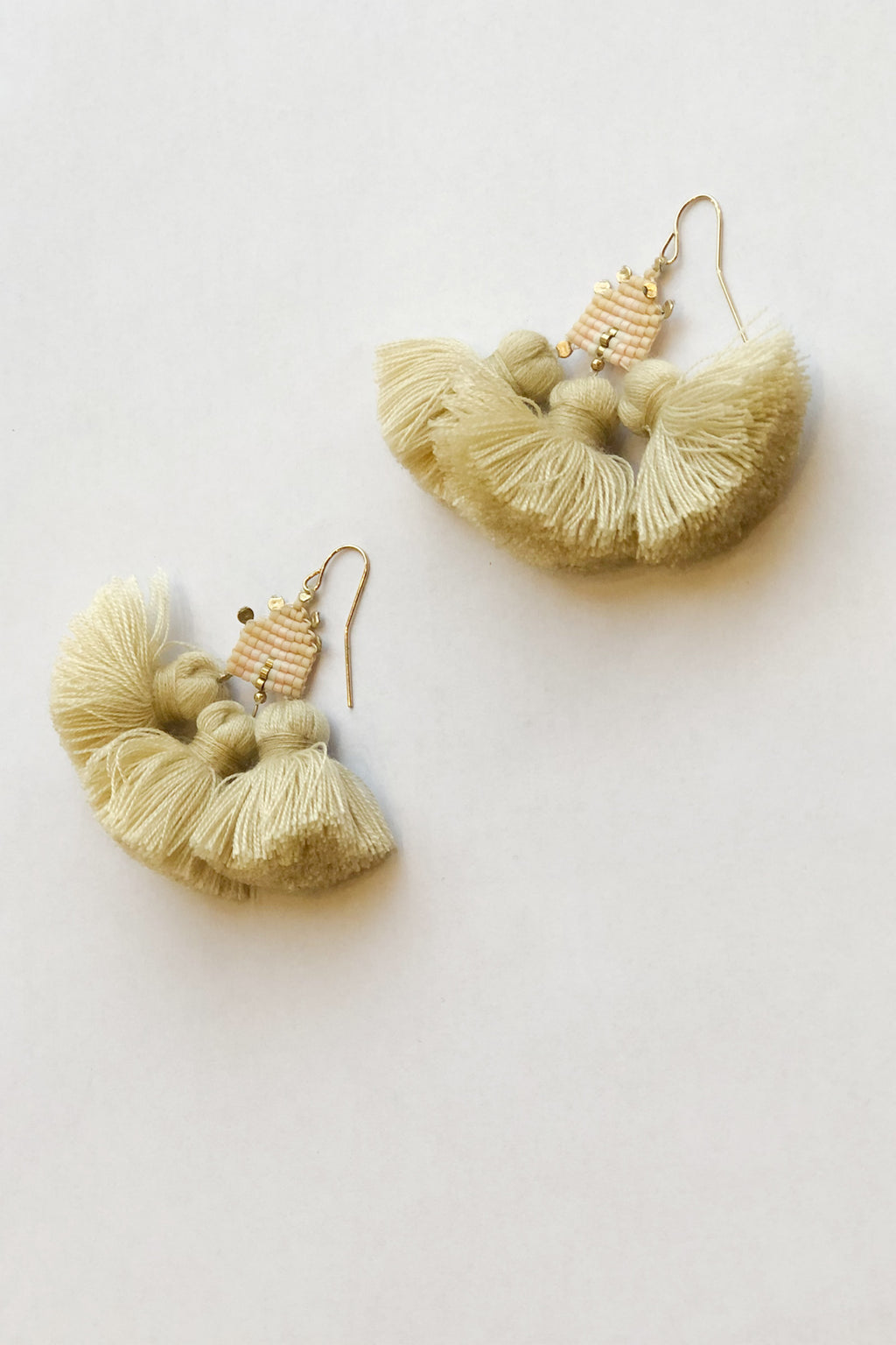 ILD Drift Pompom Short Earrings in Pink
