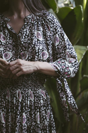 Natalie Martin Renata Shirt in Vintage Flowers Midnight