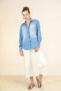 "Frank and Eileen ""Eileen"" Button Down Classic Blue and Fading Denim"