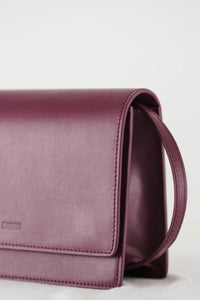 Baggu Small Structured Crossbody in Cranberry