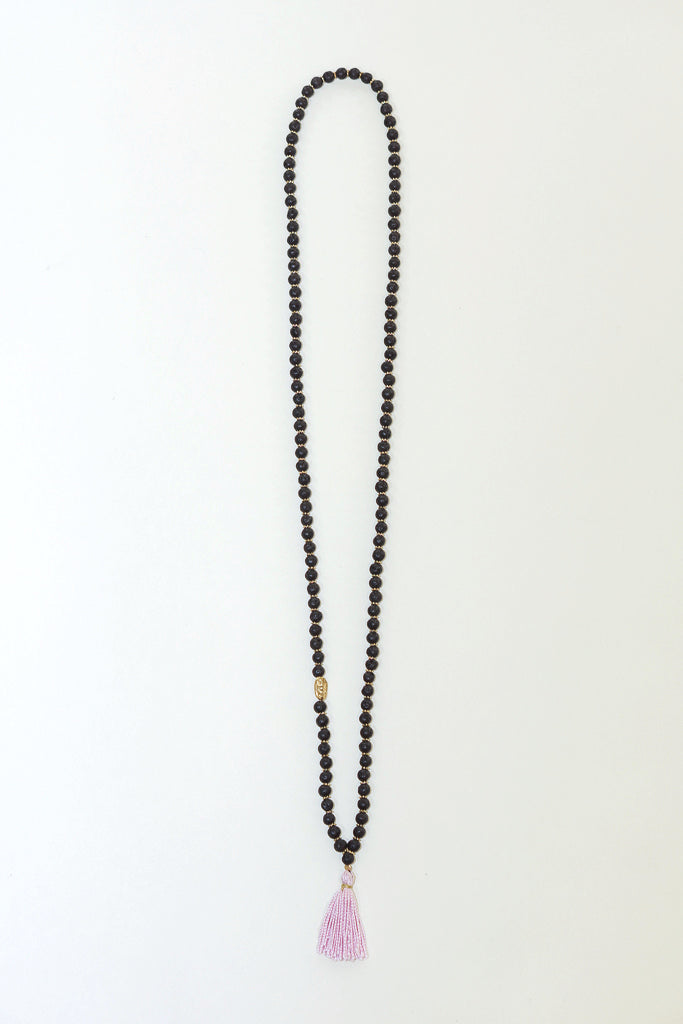 IL Design Hara Black Necklace with Pink Tassel