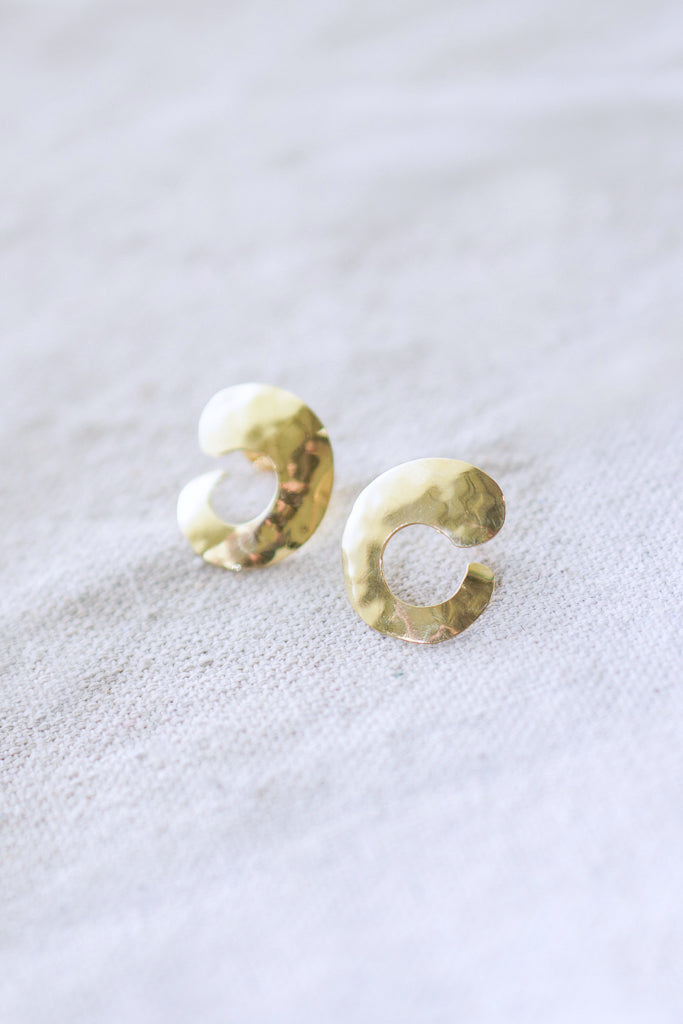 Soko Petite Organic Cee Earrings In Brass
