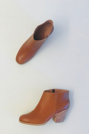 Rachel Comey Classic Mars Boots in Natural Leather