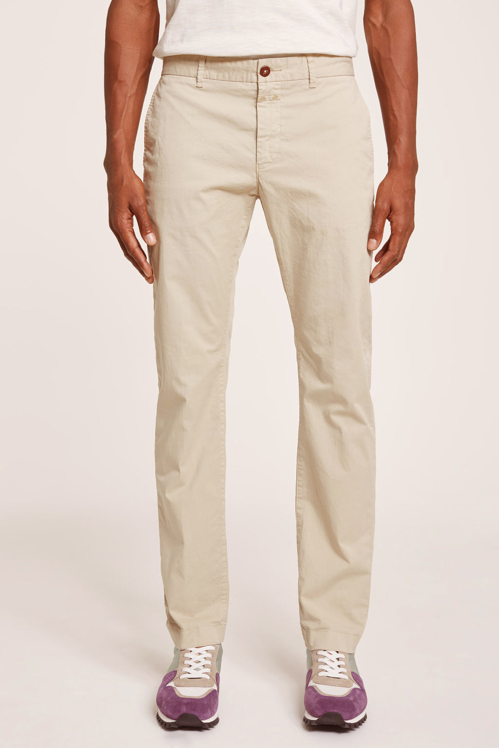 Closed Clifton Slim Chino Dune