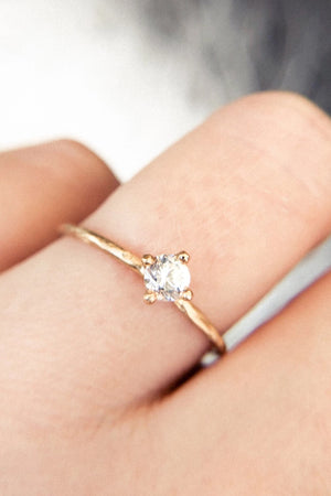 Valley Rose Hera 14k Gold 3mm White Sapphire Solitaire Ring