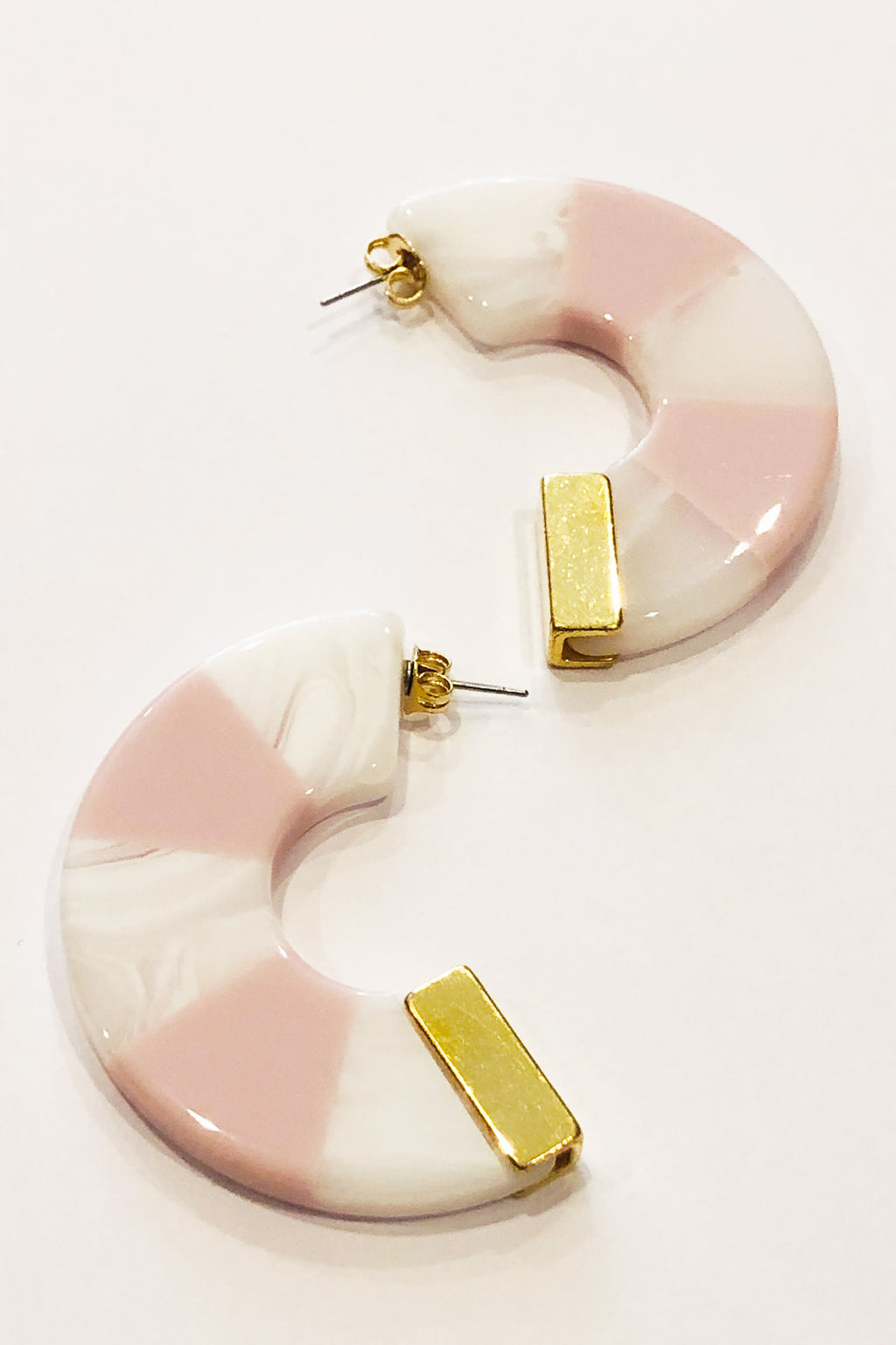 Rachel Comey Tabby Hoop Earrings in Pink-White