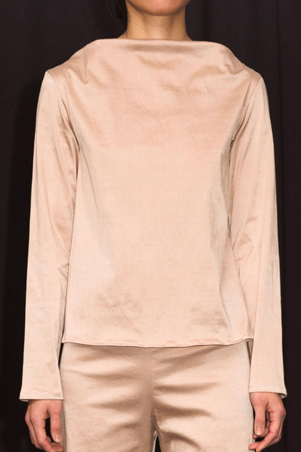 Base Range Meji Top Stretch Silk In Gravel Beige