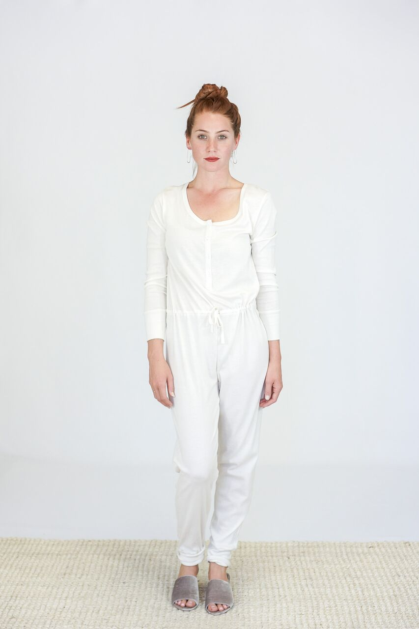 Skin Longsleeve Dakota Onesie in White Sand