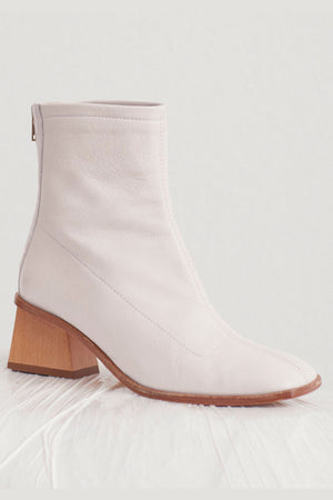 Paloma Wool Saturno Leather Ankle Boot With Geometric Heel In White